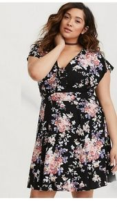 Torrid NWT black floral, tie front dress, size 1